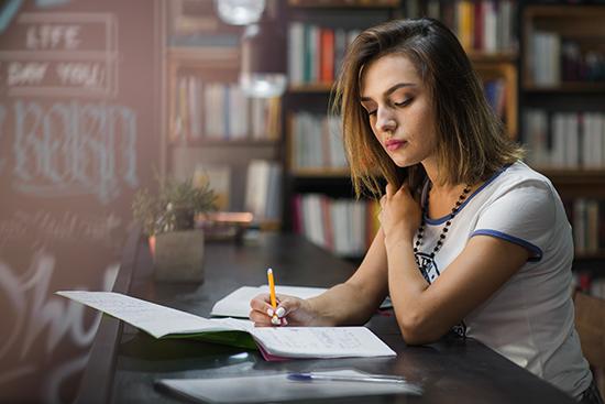 Voltando a estudar? Veja 10 ideias de cantinho de estudos